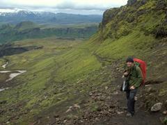 Robby pauses on the precarious footpath leading down into Thórsmörk Valley