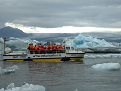 Amphibian boat tours are a popular activity at Jökulsárlón