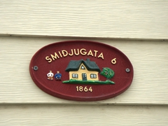 Lots of old houses on Smiðjugata proudly display their age