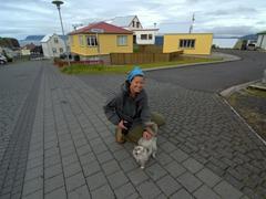 A friendly Stykkishólmur cat greets Becky