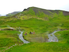 After an hour, we reached the hot springs of Reykjadalur
