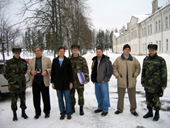 Group photo during a recon at Aluksne