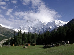The sky appears to be clearing up and we are thrilled to have a cloud free view of beautiful Nanga Parbat