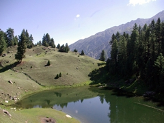 A view of Fairy Meadow's Tarar Lake