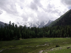 The weather quickly takes a turn for the worse, with clouds moving in and covering up Nanga Parbat