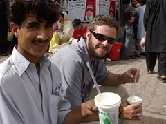 Jan and Robby decide to have another fresh mango fruit drink; Murree