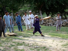 Robby joins the boys for a quick game of cricket; Chakdarra