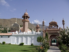 Adjacent to Chitral Fort is the stunning Shahi Masjid, Chitral's prettiest mosque, which was built by Mehtar Shuja ul-Mulk