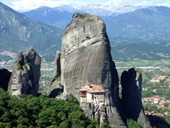 A view of our favorite Meteora monastery, Rousannou Monastery, which was damaged and plundered by the Germans during WWII (it has since been repaired and is currently inhabited by 13 nuns)