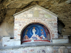 This shrine marks the midway point on the climb up to the Great Meteoran Monastery