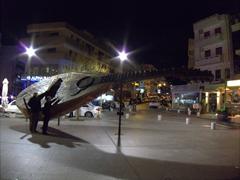 Bob & Ann reach for a massive Cretan lyra; Rethymno