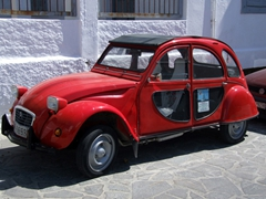Check out this old buggy; Hora