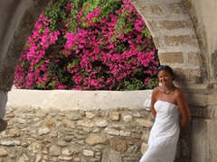 Becky models her friend Kel's strapless white dress against Kastro's gorgeous backdrop