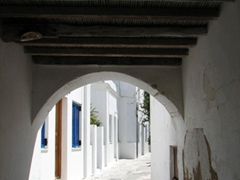 Timbered passageway in Lefkes