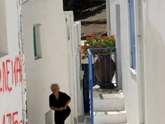 We noticed that many elderly Greek women are dressed in black from head to toe