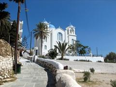 Agios Nikolaos dominates the position atop the hill in Hora