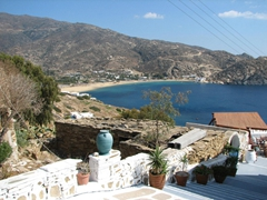 Mylopotas is located 3 km from Hora and its marvelous beach has made Ios famous for decades
