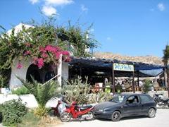 Beach side restaurant in Mylopotas