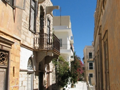 The narrow streets behind the main square of the town hall are a joy to discover