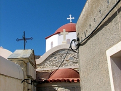 This tiny little church was nestled between the labyrinth streets of Ano Syros