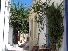 A typical narrow street; Ano Syros