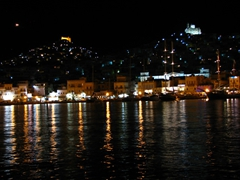 Syros's capital city looks gorgeous at night