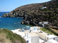 This is the port of Kastro, Saralia, and it has a couple of fish tavernas and a cool refreshing sea