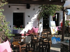 Once Bob saw this peaceful bar in Kastro, he could not be persuaded to walk any further