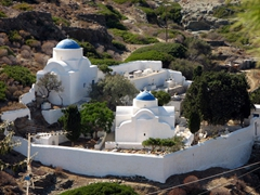 These twin churches near Kastro serve as the inspiration for many an artist who visits the village