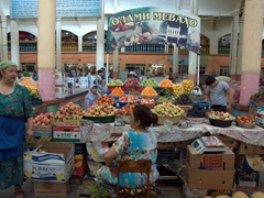 Fruit section of the Khujand Panjshanbe Bazaar