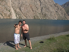 Jamshed and Robby strike a pose after braving the freezing waters of Hazor Chashma (7th Lake)