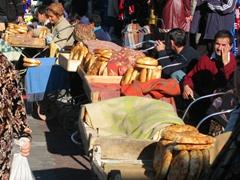 Bread for sale; Tashkent Chorsu Bazaar