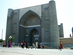 Bibi-Khanym is a famouse mosque in Samarkand