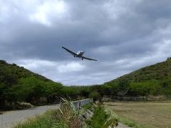Incoming plane; Culebra airport