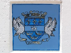 This blue crest is a common sight on Gustavia's road posts