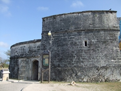 Entrance to Ft Fincastle (its free!); Nassau
