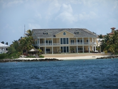 Lots of gorgeous million dollar homes with their own private beach are located in beautiful Nassau