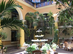 Interior courtyard of El Patio Restaurant; Plaza de la Cathedral
