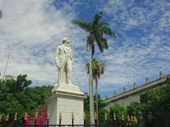 A statue of Carlos Cespedes stands in the middle of Plaza de Armas