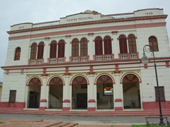 The Teatro Principal (dating from 1850 and restored in 1926) is still used to host Camaguey's ballets