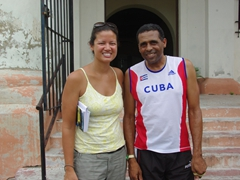 Becky meets a friendly Cuban who excitedly talks about wanting to live in the US, cheekily suggesting they swap places; Camaguey