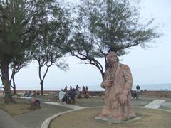 Christopher Columbus statue outside Museo Municipal de Baracoa