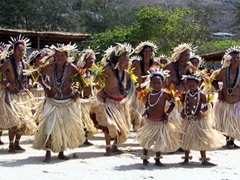 Dancers at the Hiri Moale Festival