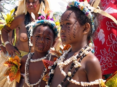 Serious young children, Hiri Moale Festival