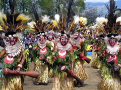 The Mount Hagen women come marching in!