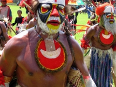 These Mount Hagen men performed non-stop for hours!