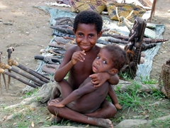 Cuddly kids, Sepik village