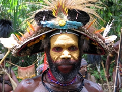 At last, a smile from one of the Huli Wigmen