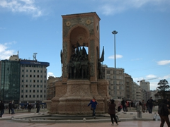 Monument of the Republic; Taksim Square