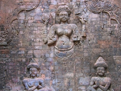 Baksei Chamkrong carvings